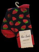 Носки женские с клубникой Nice Sokcs черно-красные размер 36-41